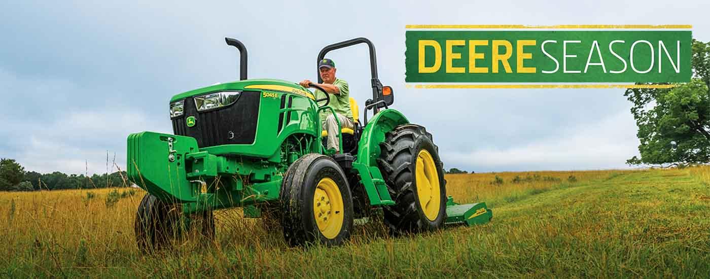 Tractor Deere Season