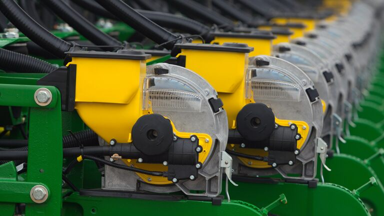 DB80 32Row30 Planter