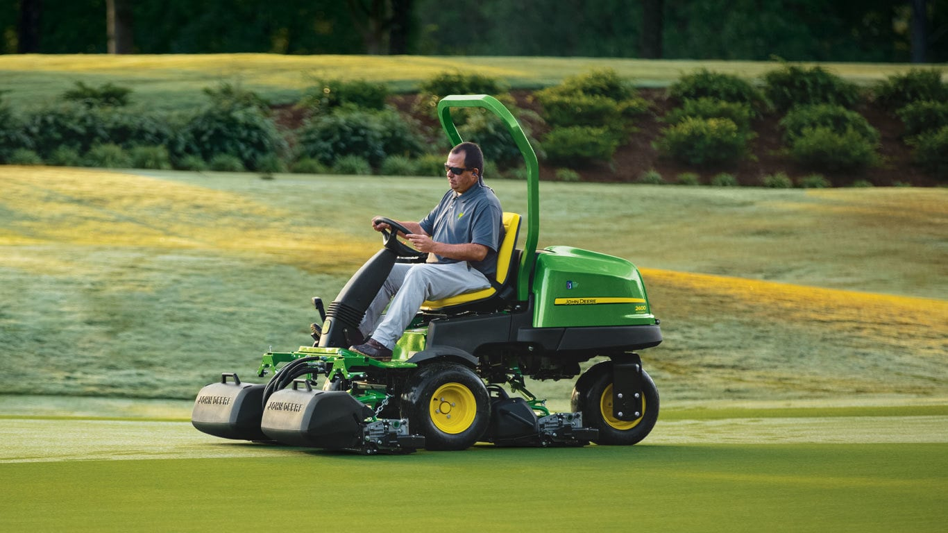 2400 PrecisionCut™ Gas Triplex Mower
