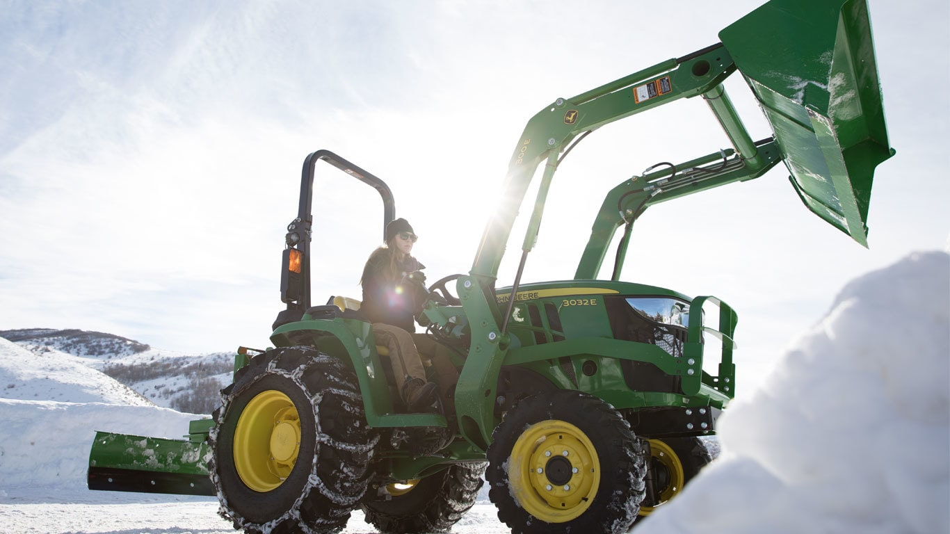 3032E Tractor & Loader