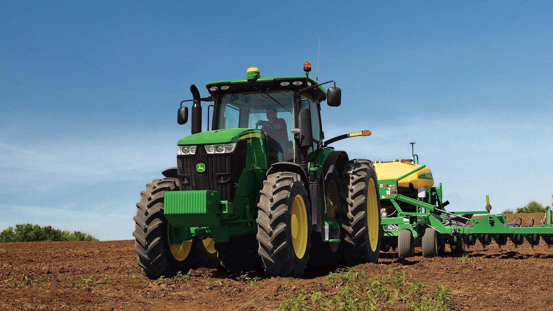 John Deere 7210R Tractor
