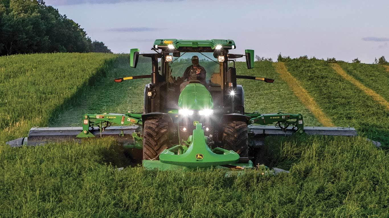 John Deere 7R 330 Row-Crop Tractor