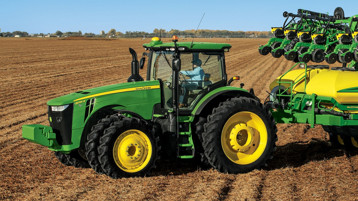 8295R Tractor - New Row Crop Tractors (6-8 Series Above