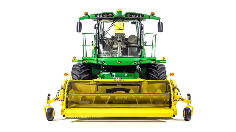8400 Self-Propelled Forage Harvester