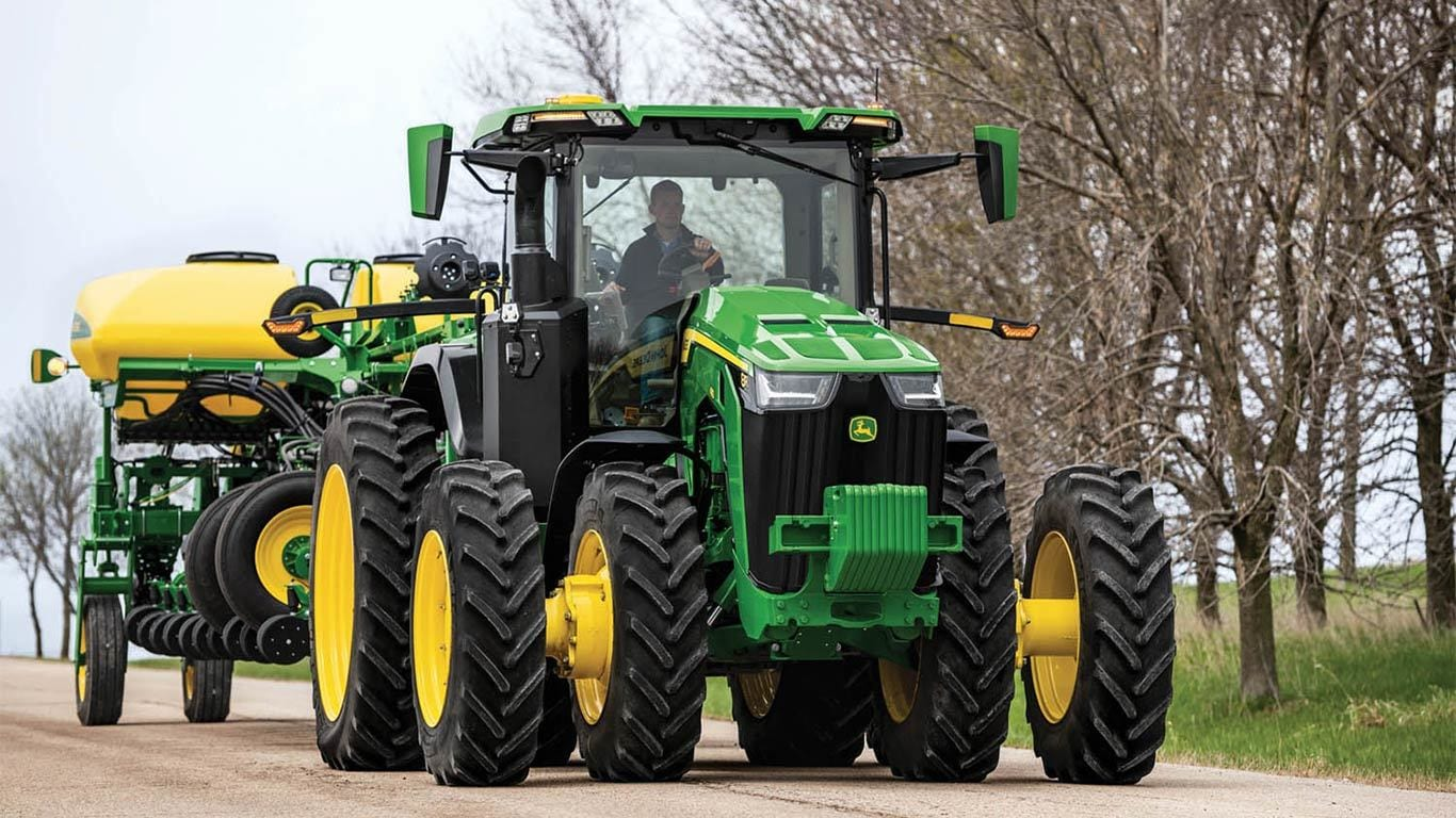 8R 340 Tractor