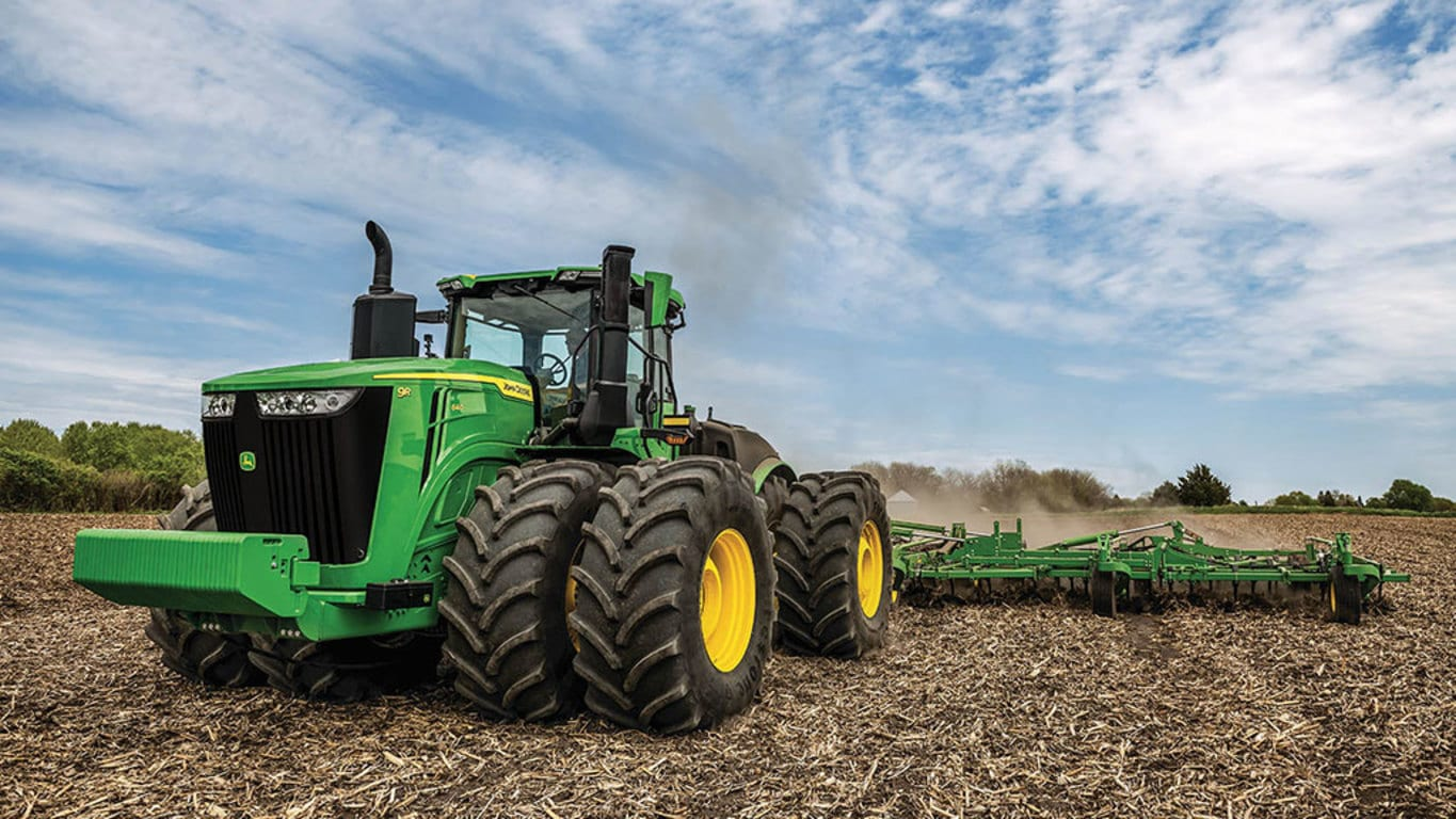 9R 640 Tractor