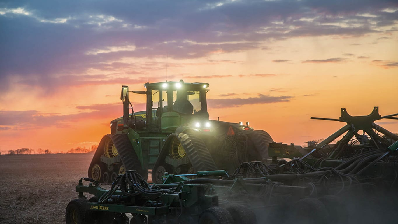 9RX 590 Tractor