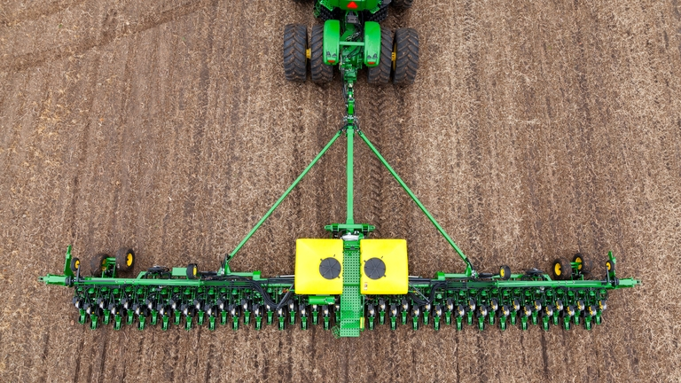 DB60 47Row15 Planter
