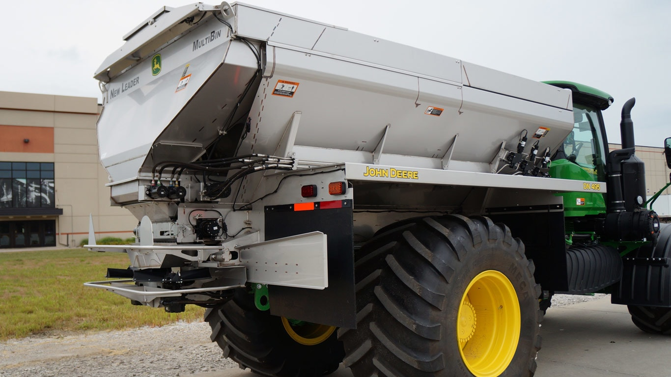 DN495 G5 Dry Spinner Spreader