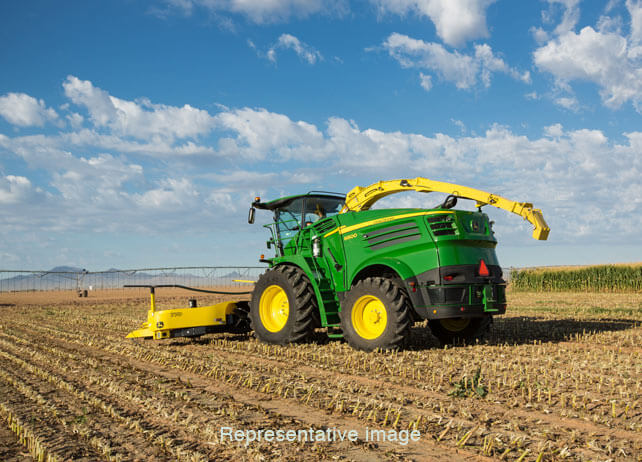 8000 Series Self Propelled Forage Harvesters