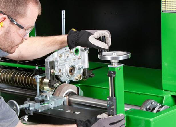 RG5500 Semi-Automatic Spin and Relief Reel Grinder