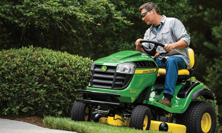 100 Series Lawn Mowers